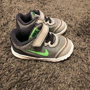 Toddler Nike. 6c
